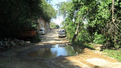 タリパナンビーチへの道路