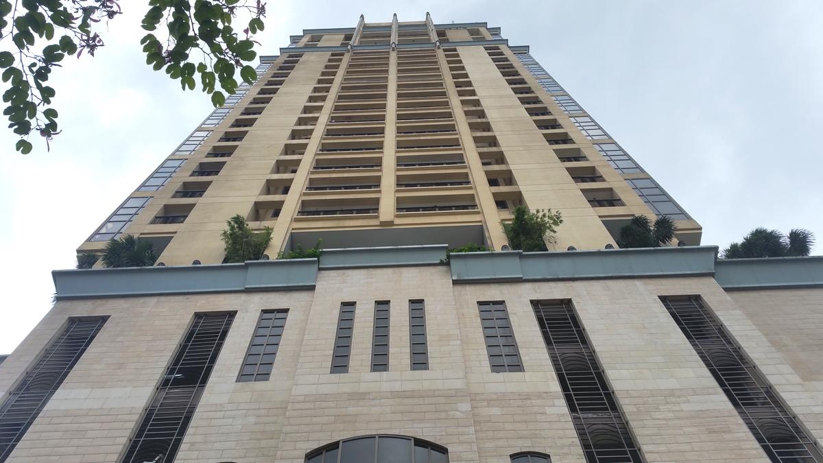 デラ・クルーズイングリッシュクラブの宿泊先「モザイクタワー」