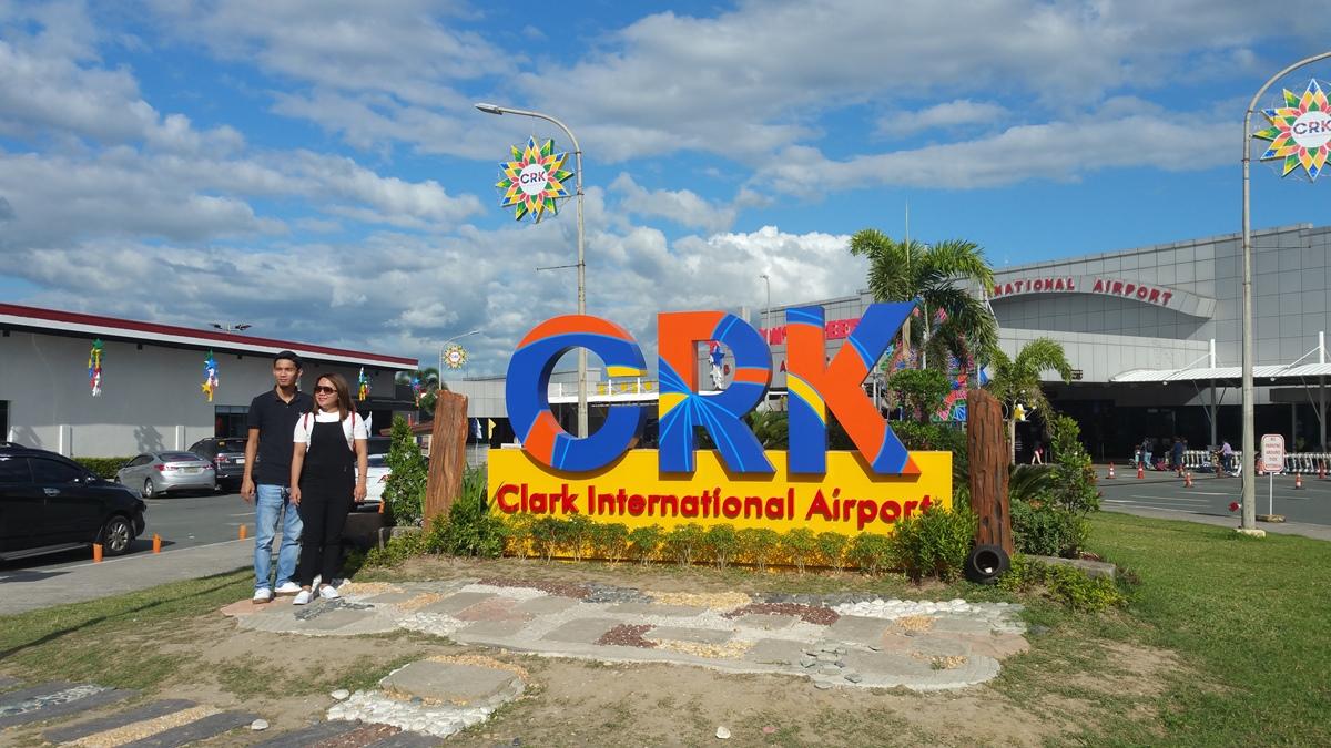 クラーク空港のロータリー