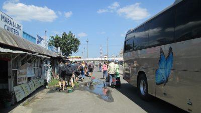 バタンガスに到着したバス