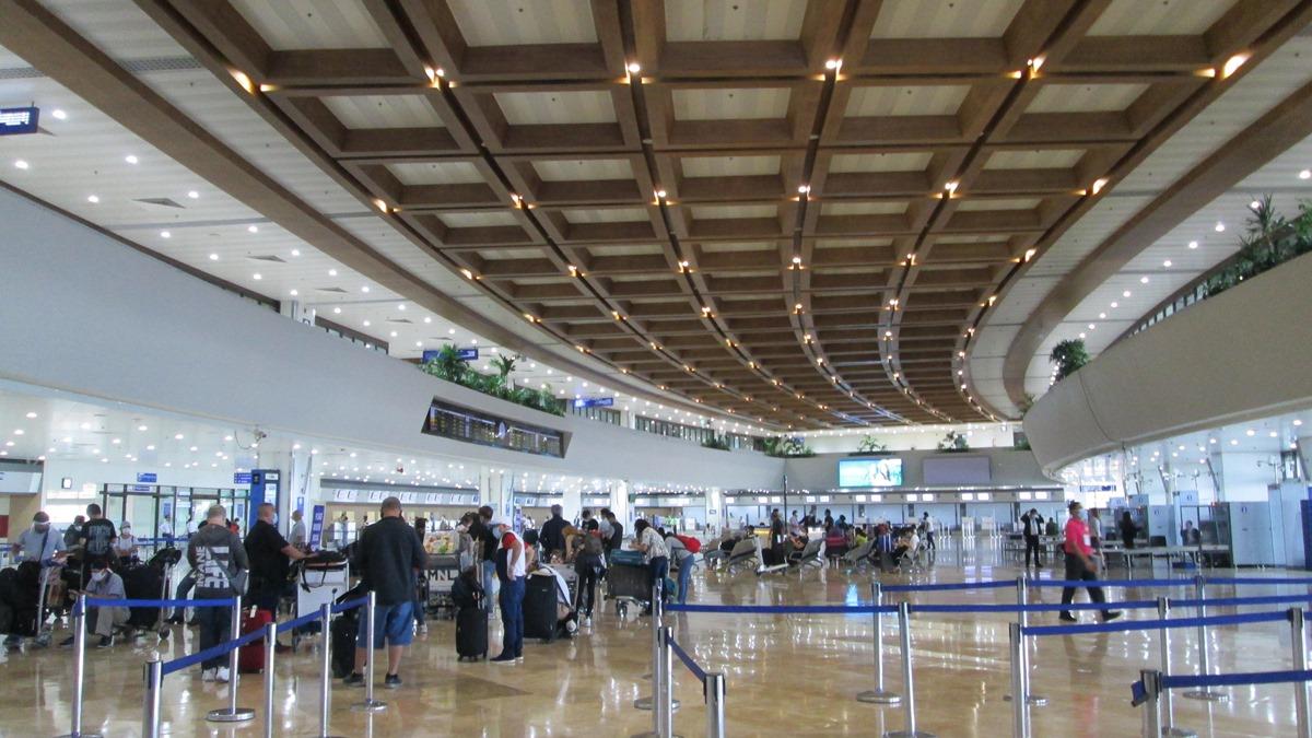マニラ空港第1ターミナルの出発ロビー
