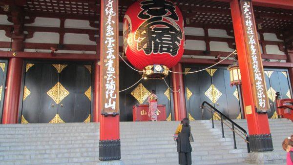 浅草寺の正面
